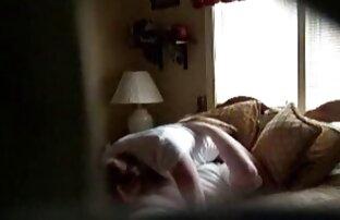 Egy anya fia szex videok fiatal szépség, egy kézzel, nyelv