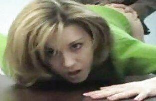 Egy barátjával játszott, aki folyamatosan mozgatta sex maszazs a csípőjét