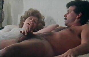 A nő retro szex indavideo dolgozik, széles lyuk weebcam vibrátor